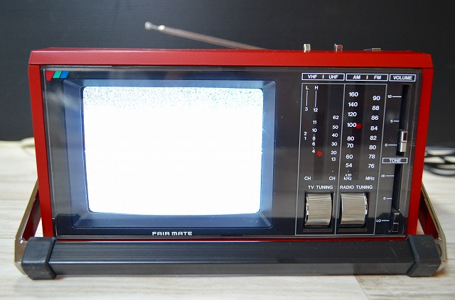 ♪♪20【激レア】蔵出し品FAIR MATE EA-6000 ポータブルテレビ ラジオ 昭和レトロ アンティーク ジャンク♪♪_画像2