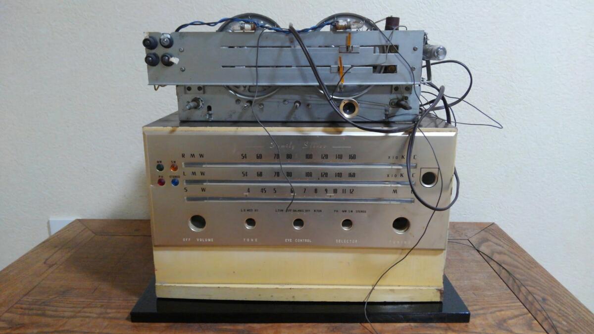ジャンク品 東芝 ファミリーステレオ HiFi ステレオアンプリファイヤー TAS -140形 昭和レトロ 真空管 ラジオ