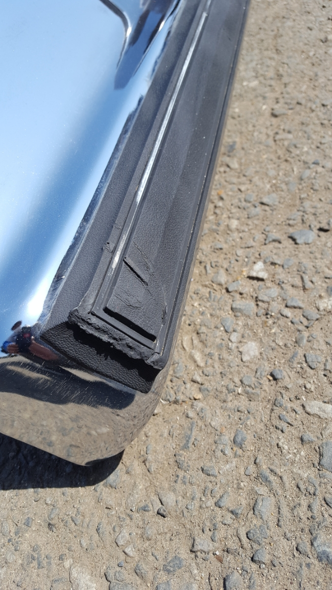 81~ ビュイック リーガル クーペ リア バンパー ステー付き 中古 ハイドロ ローライダー アメ車 Gボディー シボレー インパラ キャデ V8_画像2