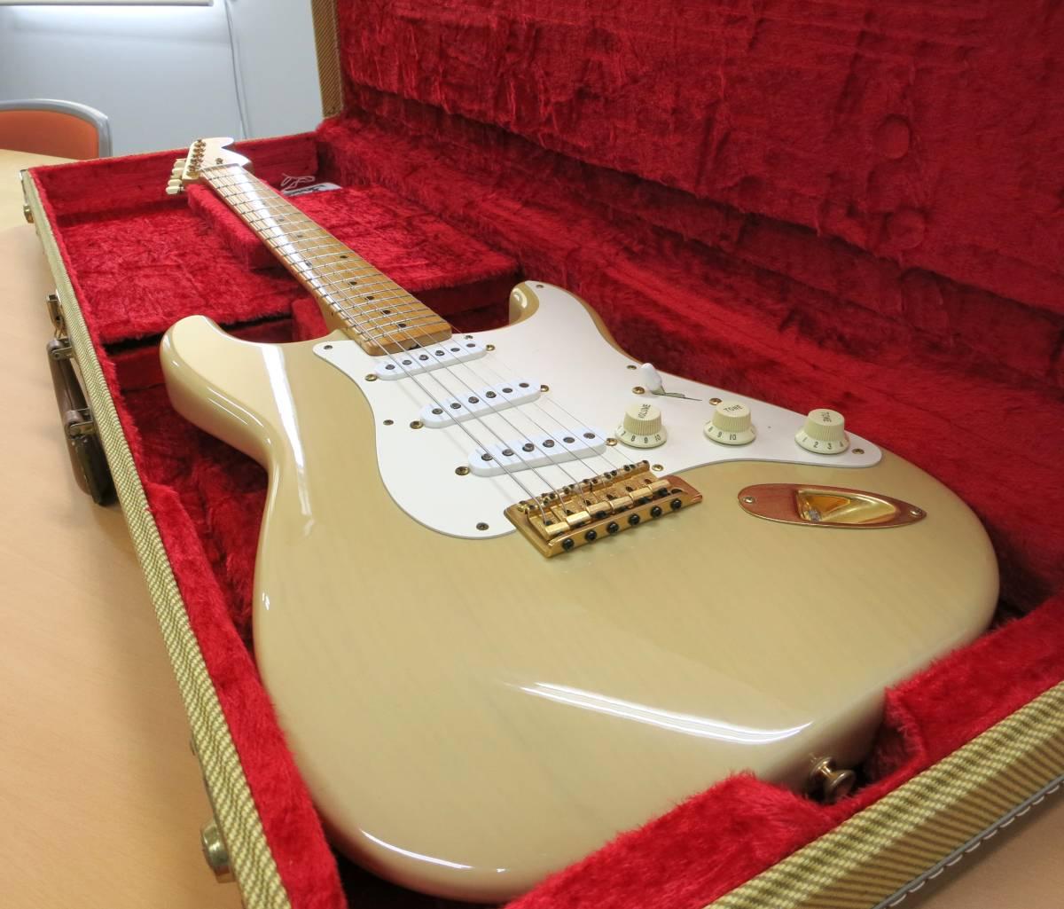 2005年製 Fender Custom Shop製 Stratocaster / Vintage White Blonde【美品】