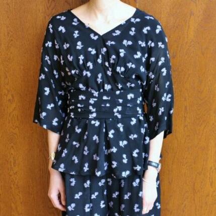 mame フラワーモチーフジャガードトップス ブラック 花 カットソー ベルト付き 刺繍