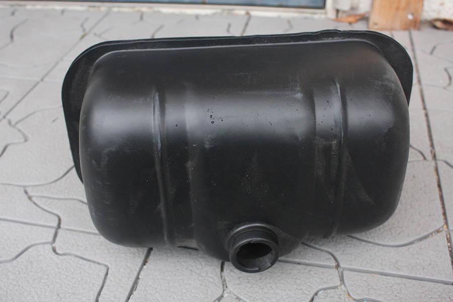 交渉可 貴重! ランブレッタ ガソリンタンク サンドブラスト & サフェーサー済 防錆途中です。 レストア用 現状販売です。_Lambretta用のガソリンタンク 要防錆品です