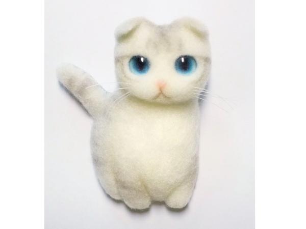 羊毛フェルト 猫のブローチ スコティッシュフォールド ハンドメイド