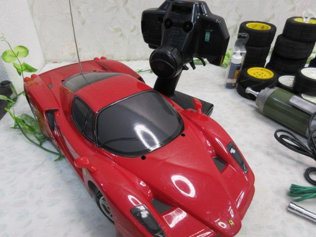 USED&ジャンク品【み516・14】 大量!! ラジコン部品 オイル・タイヤ・部品など30点まとめて フェラーリ&プロポセット付_画像8