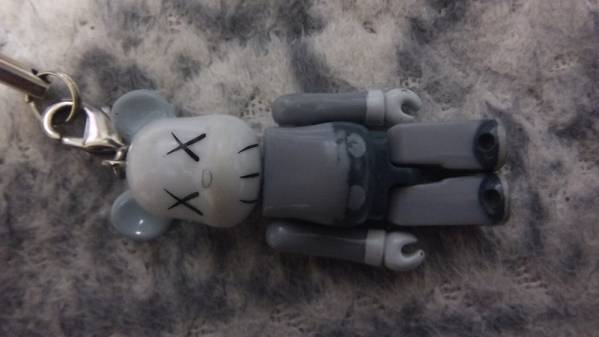 Original Fake KAWS ベアブリック 70%