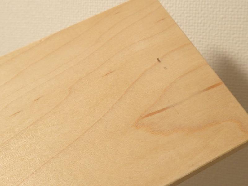 マスターウッド) 壁掛け棚 ハードメープル 無垢材 幅30cm 壁掛けラック おしゃれ アイアンラック 木製_例)左上の小へこみ。中央右、黒いへこみ等
