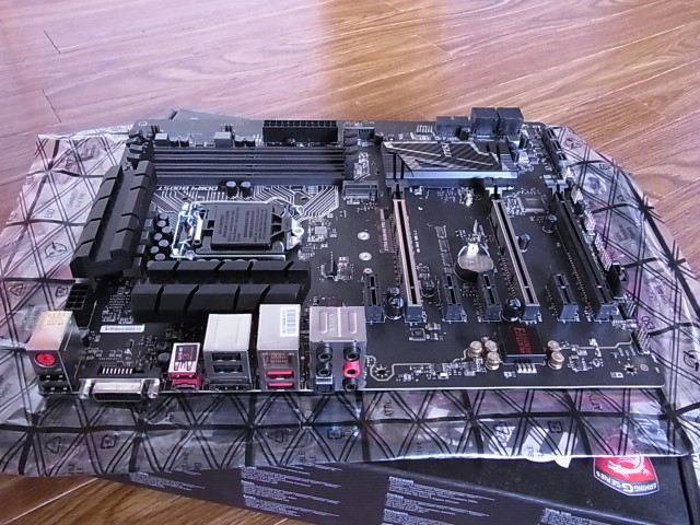 MSI Z170A GAMING PRO CARBON Z170/LGA1151(DDR4)/M.2_画像3
