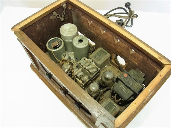 ◆ジャンク SHARP シャープ 真空管ラジオ 型番不明 部品取 アンティーク ビンテージ レトロ 木製_画像5