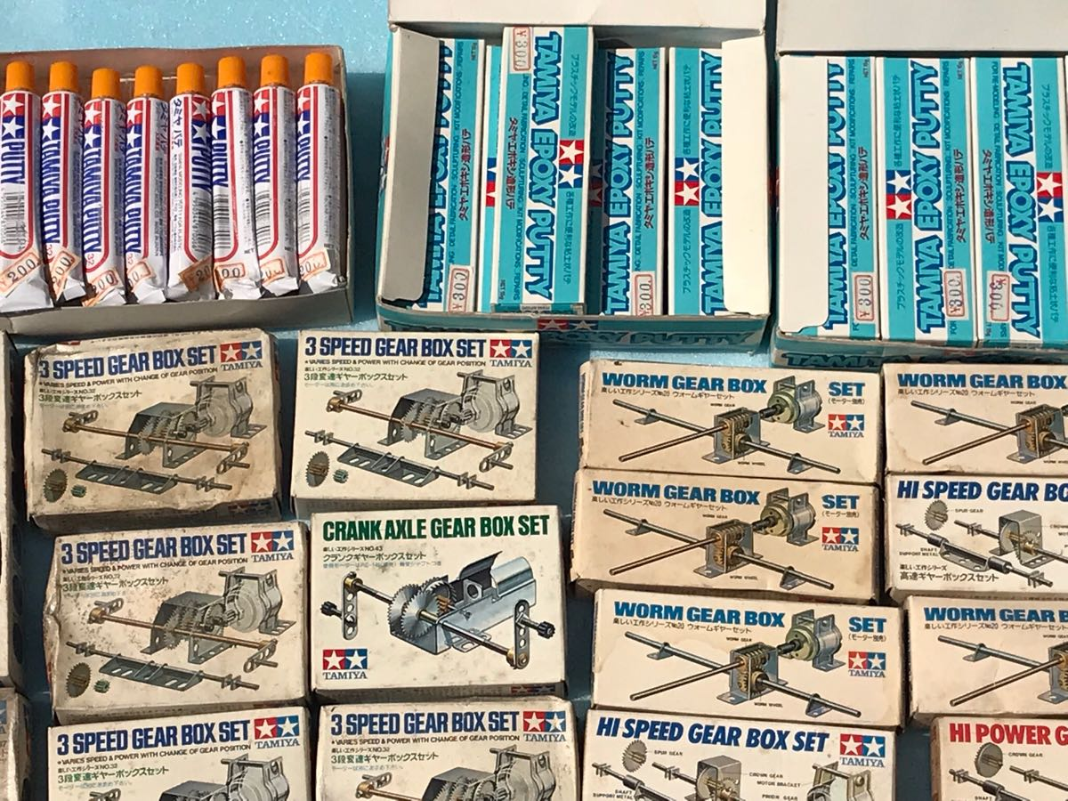 【大量】タミヤ ギヤーセット・充電器・リモコンボックス等 店舗デッドストック品 部品等168点まとめて!!ジャンク_画像5