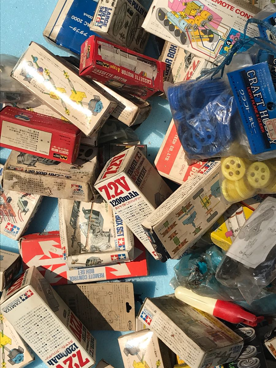 【大量】タミヤ ギヤーセット・充電器・リモコンボックス等 店舗デッドストック品 部品等168点まとめて!!ジャンク_画像8