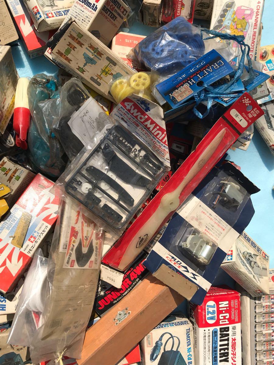 【大量】タミヤ ギヤーセット・充電器・リモコンボックス等 店舗デッドストック品 部品等168点まとめて!!ジャンク_画像9