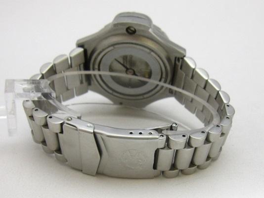 送料無料 ハンティング・ワールド スポータバウト メンズ コンパスウォッチ 腕時計 稼動品 中古 ♂46㍉ 郵パック発送の場合は送料無料_画像3