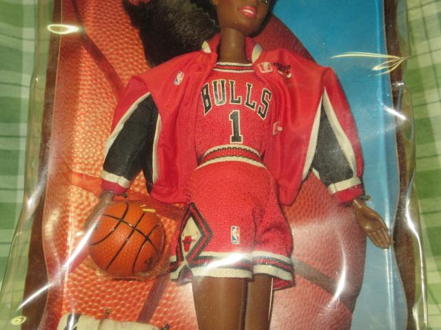 希少NBA バービー 1998 シカゴブルズ Barbie バスケットボール アフリカン アメリカン ドール レトロ ヴィンテージ 人形 フギュア 着せ替え_バスケットボール付き