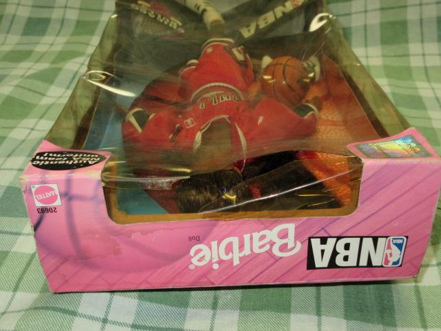 希少NBA バービー 1998 シカゴブルズ Barbie バスケットボール アフリカン アメリカン ドール レトロ ヴィンテージ 人形 フギュア 着せ替え_パッケージの割れやシミ