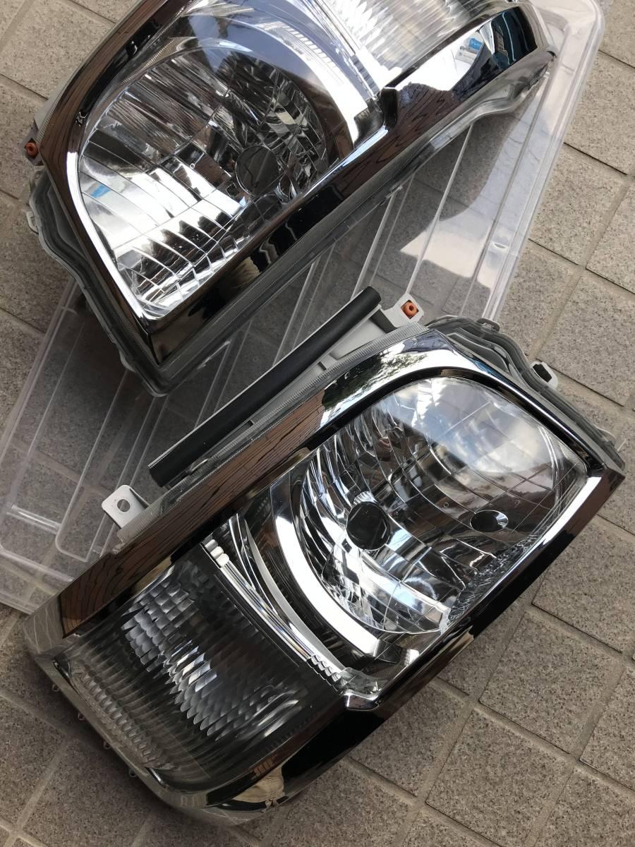 ハイエース・1型・2型・トヨタ純正ヘッドライト(中古・おまけ付き)
