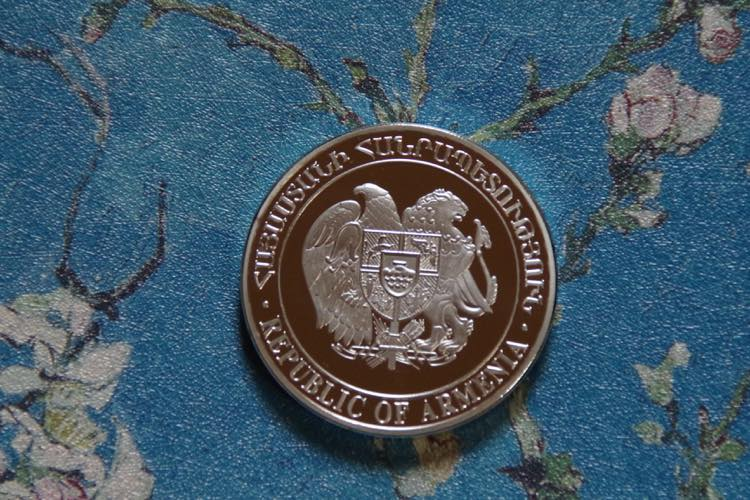 ノアの箱舟 聖書物語 アルメニア アララト山 オリーブの枝を咥えた鳩 獅子と鷲 シルバー  コイン メダル_画像3