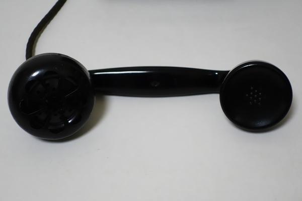 ■手回し電話機 3号磁石式 昭和41年5月製造 日本電信電話公社 卓上 アンティーク 昭和レトロ ジャンク品_画像2