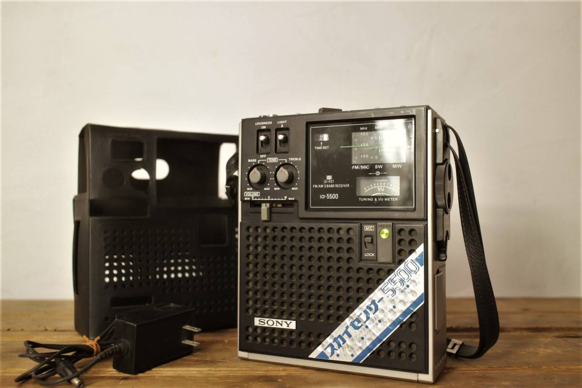 SONY ソニー 3バンド BCLラジオ スカイセンサー5500 ICF-5500 専用カバー・ACアダプター付_画像2