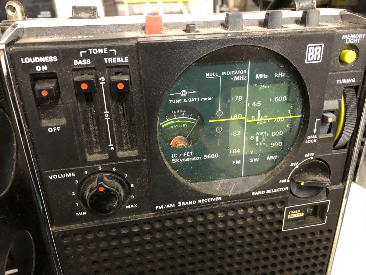 SONY ラジオ  レトロ ソニー ICF-5600 ジャンク_画像3