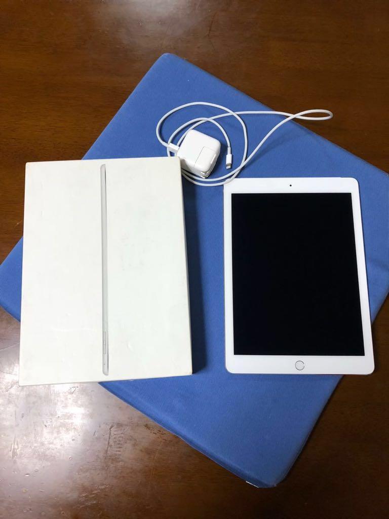 超美品 iPad Ari2 16GB au アイパッド エア2 au