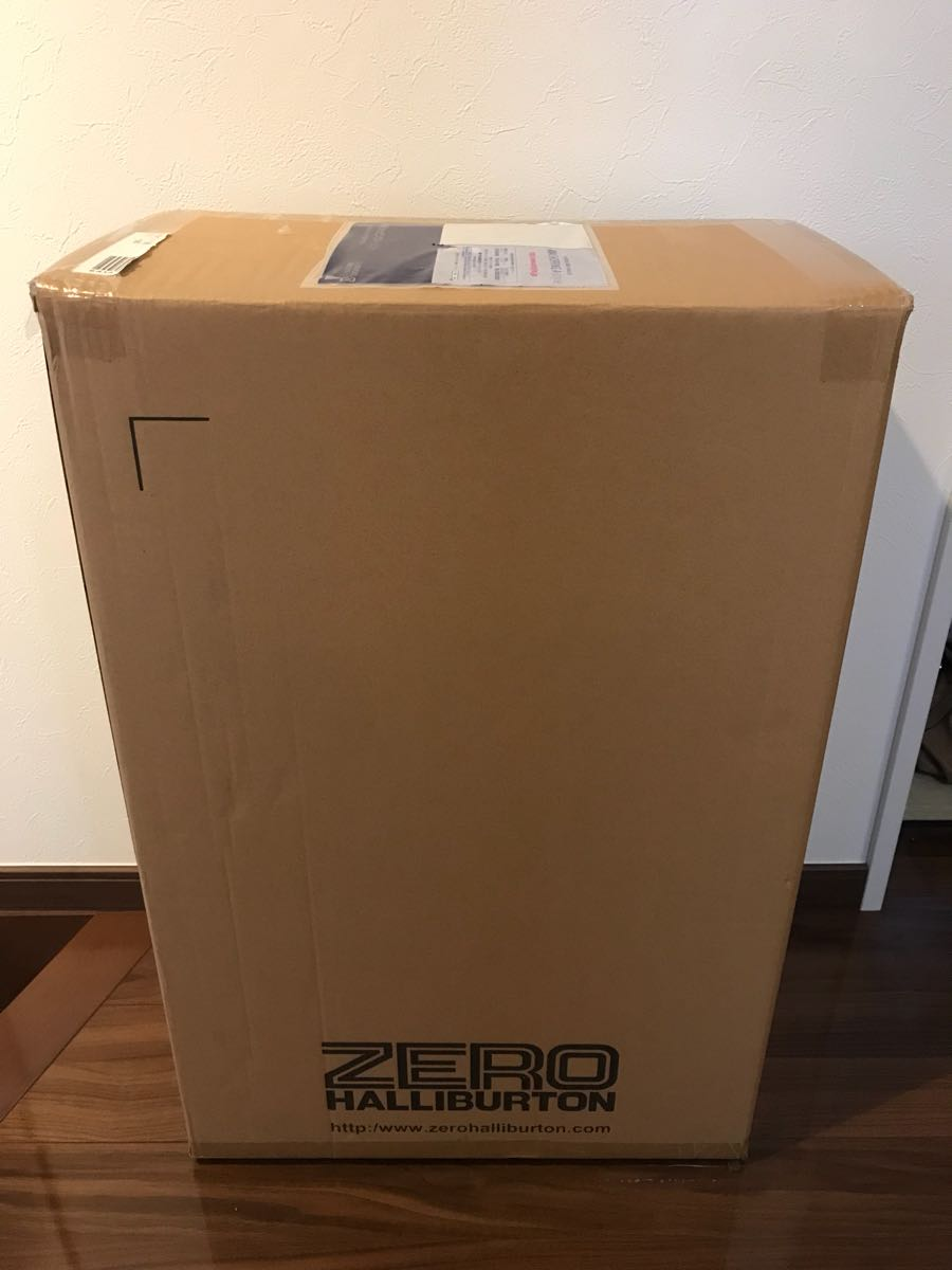 《未開封新品》ゼロハリバートン ZRO-P 58Lスーツケース(シルバー)Made in USA