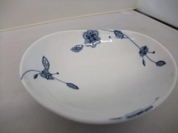 日本製 美濃焼  フルーベル まゆ型 14㎝  中鉢 シンプルモダン  _画像2