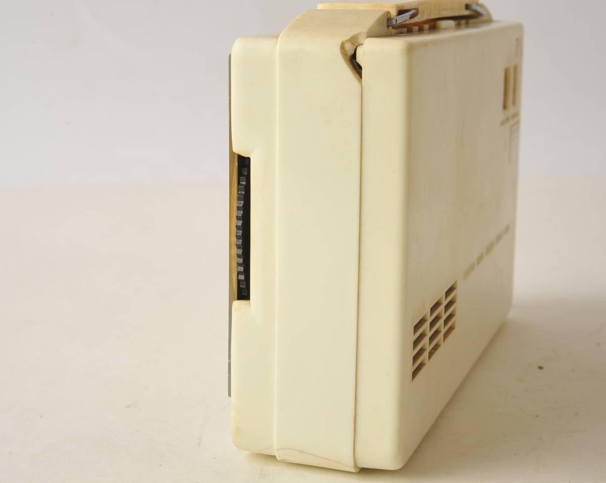 松下電器 ナショナル ポータブルラジオ MODEL 4W-260 ジャンク品_画像4