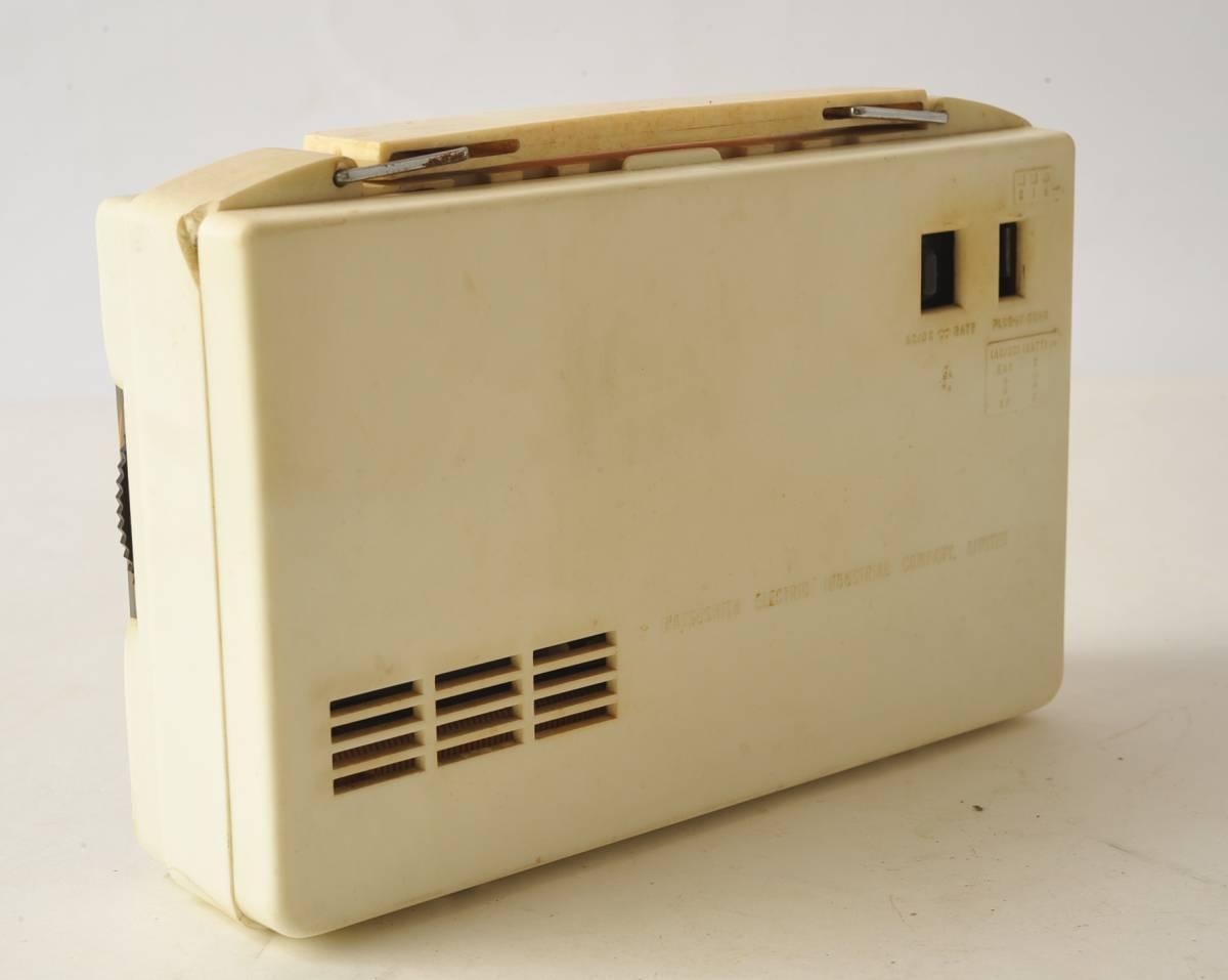 松下電器 ナショナル ポータブルラジオ MODEL 4W-260 ジャンク品_画像5