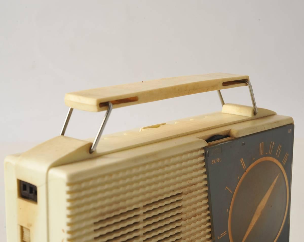 松下電器 ナショナル ポータブルラジオ MODEL 4W-260 ジャンク品_画像8