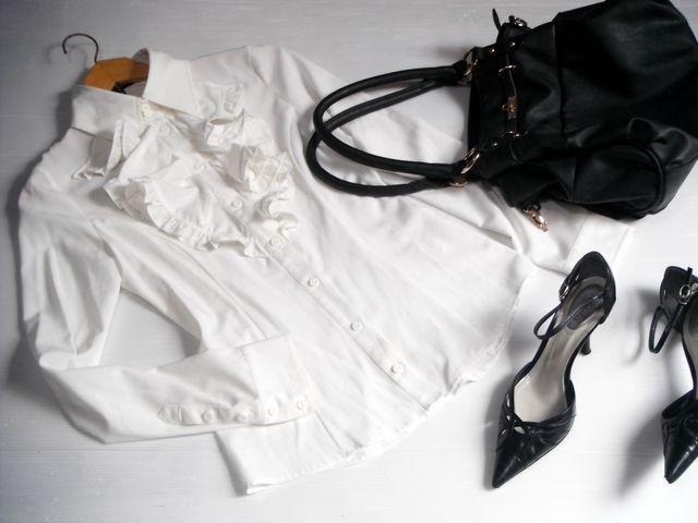 ☆rienda リエンダ☆大人可愛いフロントフリルの長袖ブラウス トップス シャツ 白ホワイト レディース☆Sサイズ_画像1