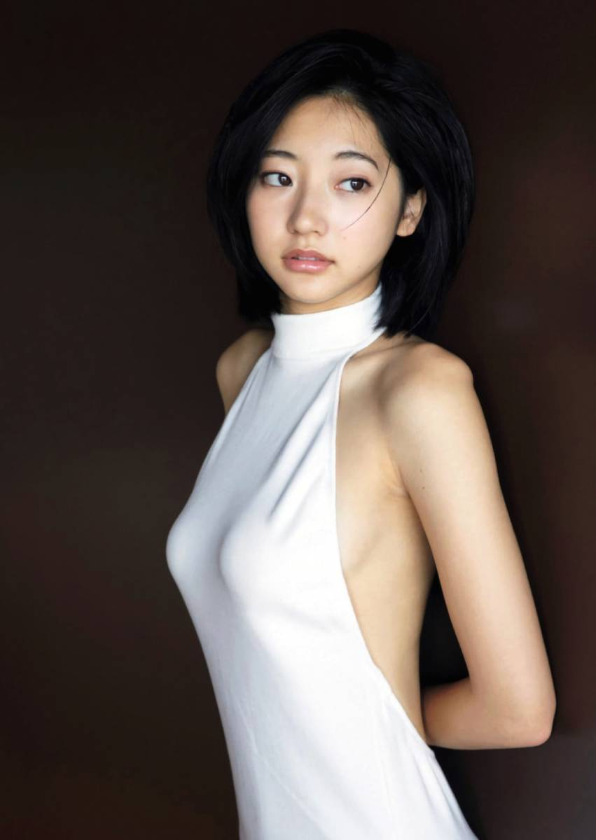 洋服が素敵な武田玲奈さん