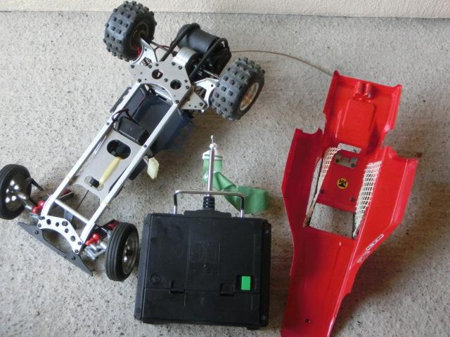 ラジコンカーまとめて4台 すべて車種不明 ジャンク_画像3