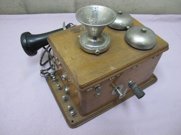 デルビル磁石式 電話機(277) 壁掛け 昭和レトロ_画像2