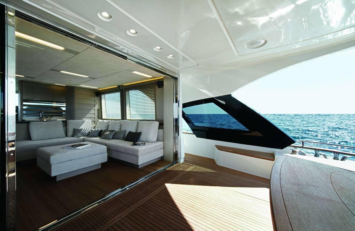 速報!!2015年モデル Monte Carlo Yacht70 ワンオーナー極上艇!!_画像4