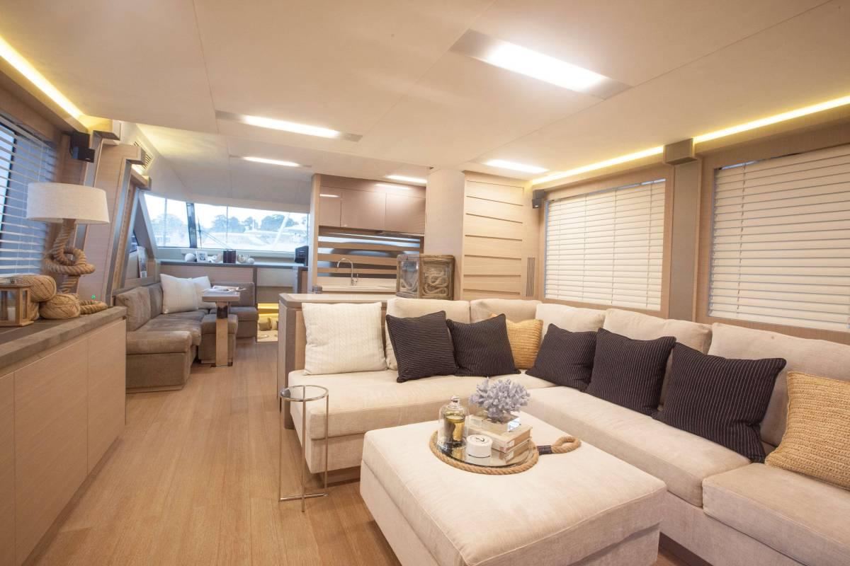 速報!!2015年モデル Monte Carlo Yacht70 ワンオーナー極上艇!!_画像7
