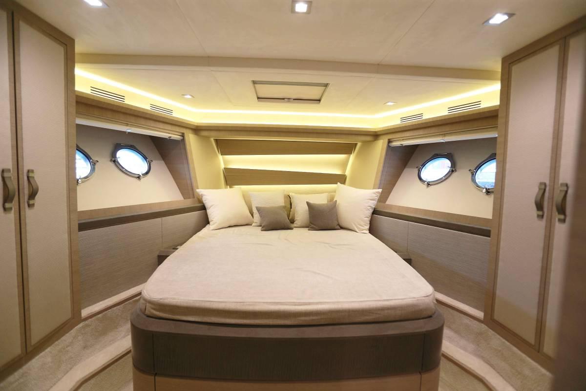 速報!!2015年モデル Monte Carlo Yacht70 ワンオーナー極上艇!!_画像9