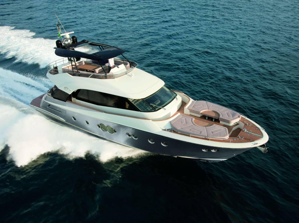 速報!!2015年モデル Monte Carlo Yacht70 ワンオーナー極上艇!!_画像2