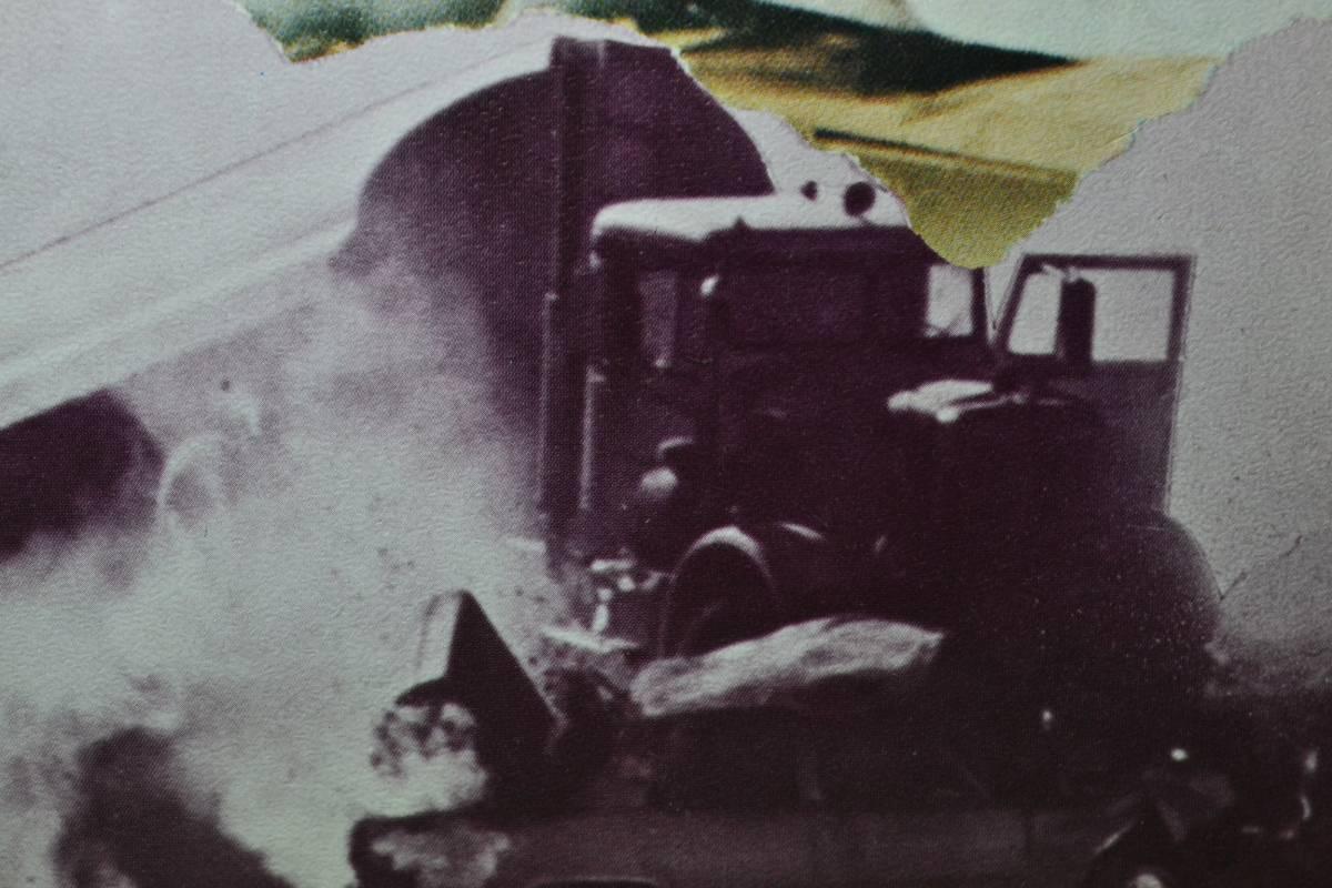 映画パンフレット 「激突」 スティーヴン・スピルバーグ/デニス・ウィーヴァー/1971年作品/初版/A4サイズ_画像2