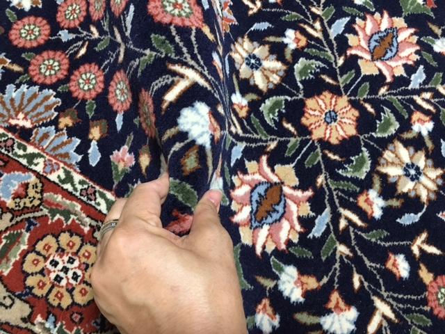 些細な訳ありお安くスタート!トルコが誇るへレケ絨毯シュメル工房製レアな紺色!ヘレケサイン入り!シュメルステッカー付き通関済日本発送_画像9