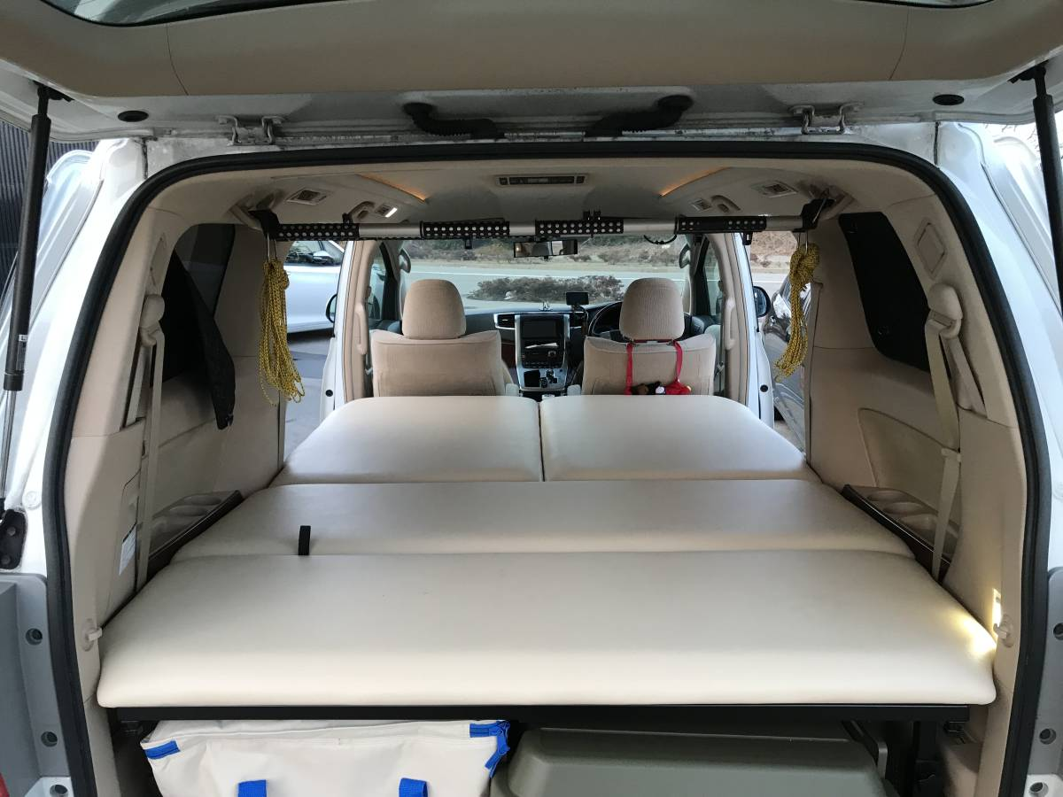 アルファード/ヴェルファイア20系8人乗り車専用ベッドキットレザータイプ40mmクッション材フルフラット車中泊マットMGRCustoms日本製