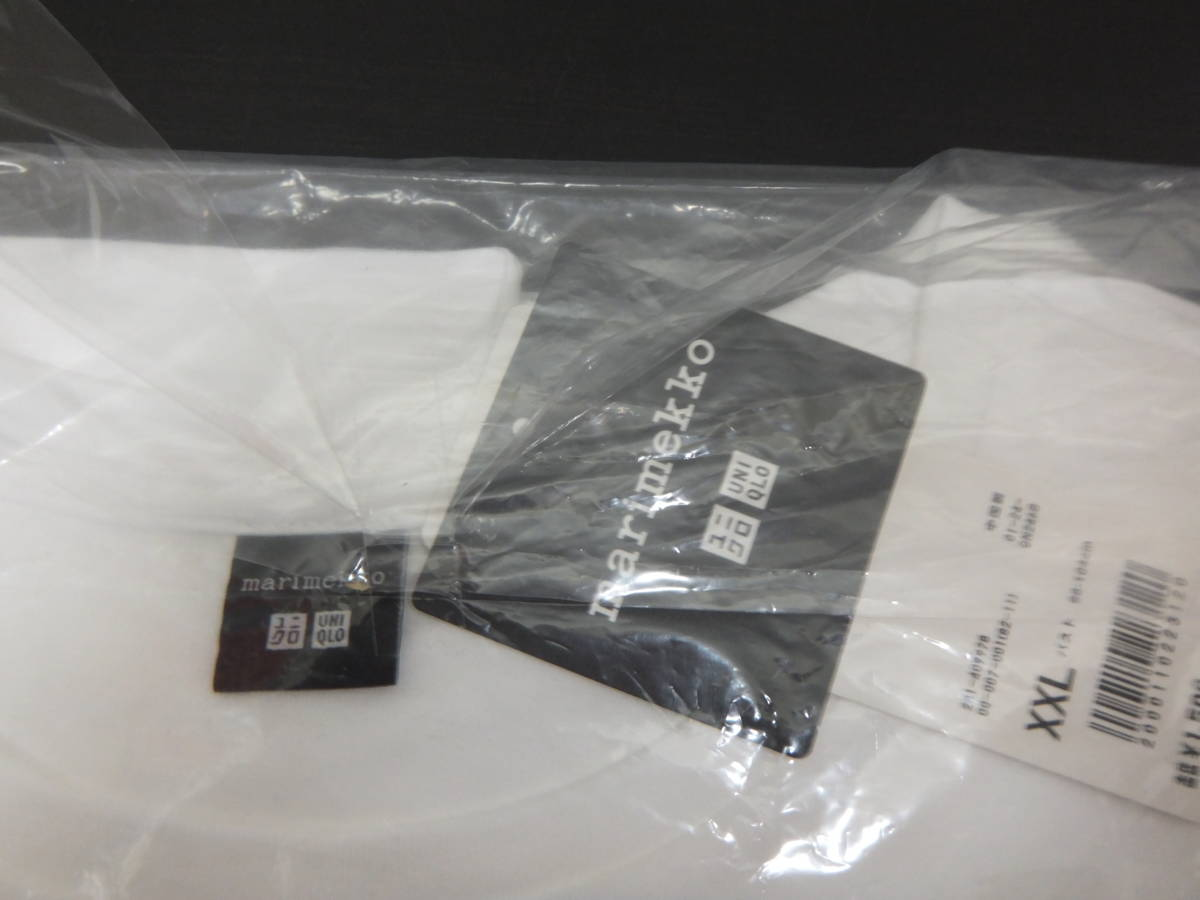 新品 XXL ユニクロ マリメッコ グラフィックT ポケット付きTシャツ 白×ネイビー ドット uniqlo marimekko オンライン限定 水玉 ポケT_画像3