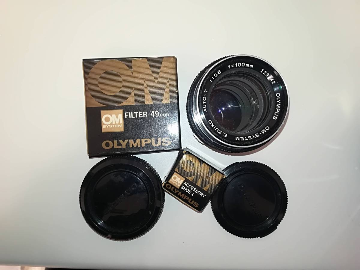 【532】OLYMPUS オリンパス OM-1 ■ G.ZUIKO AUTO-S 1:1.2 f=55mm/ E.ZUIKO AUTO-T 1:2.8 F=100mm レンズ付き ジャンク 1円スタート_画像6