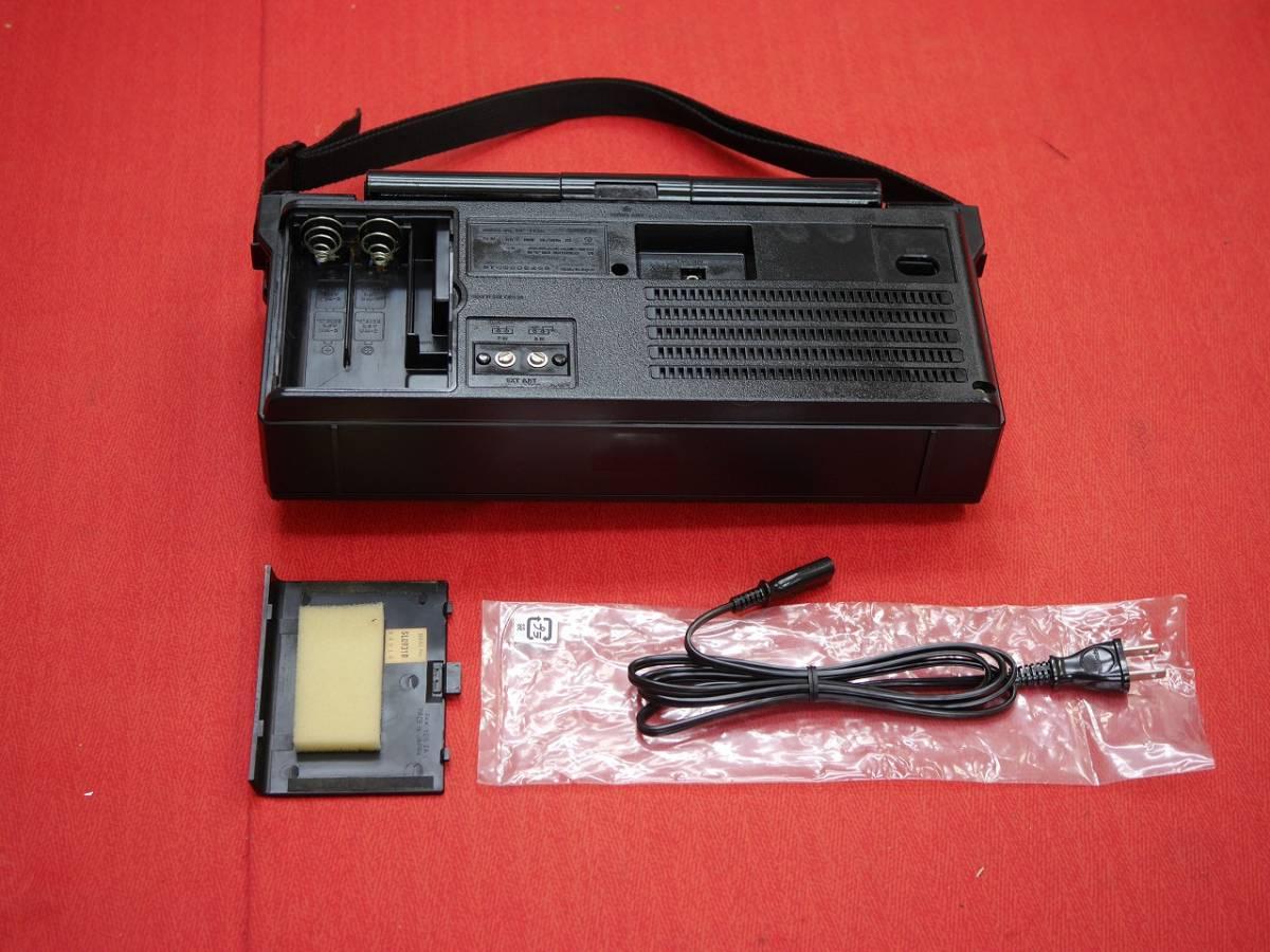 昭和レトロ おしゃれな National Panasonic クーガーBCLラジオ 4バンドレシーバー RF-1130 【動作済み美品】_画像5