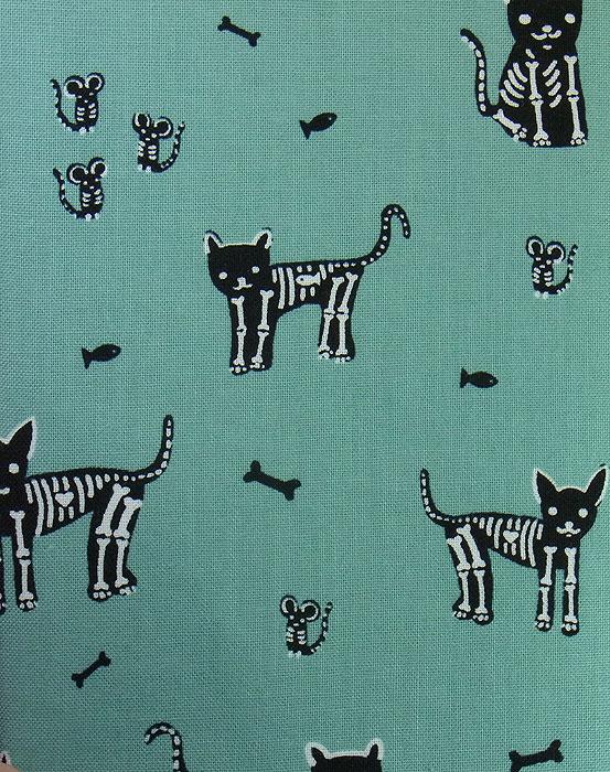21 B ハンドメイド 手づくり 文庫本② ブックカバー エメラルドグリーン 骸骨 猫 ネコ ねこ キャット プレゼント 贈り物_画像4