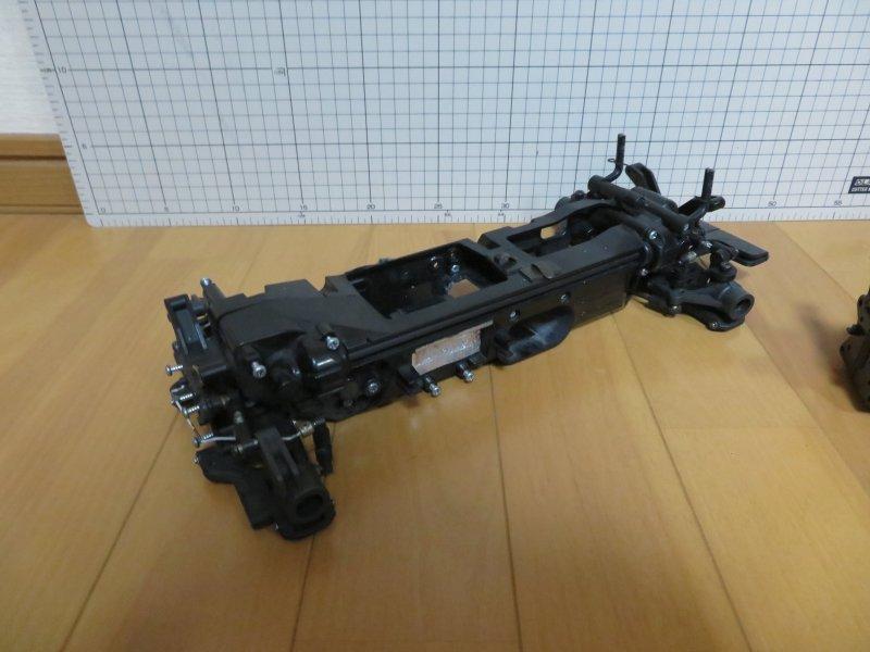 ☆タミヤ TL-01シャーシ・ジャンク! 未使用一部加工済みシャーシ・サスアーム・ボディマウント・スピードギア・軽量キングピン付き_画像5