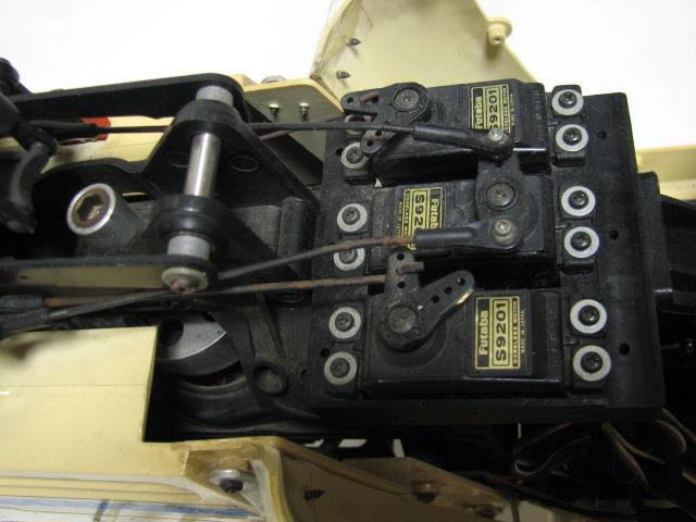 ヒロボー ラジコン エンジンヘリ ラマ SA-315B フタバ PCM1024H MAX 32F-HS/GOLDee GV-60/予備パーツ ジャンク_画像8