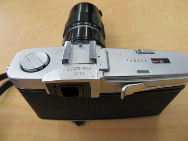 【920-A】OLYMPYS-PEN F オリンパス ペンF 稀少ケース付き レンズ2点付き_画像3