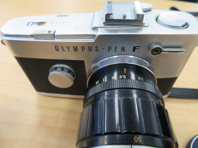 【920-A】OLYMPYS-PEN F オリンパス ペンF 稀少ケース付き レンズ2点付き_画像2