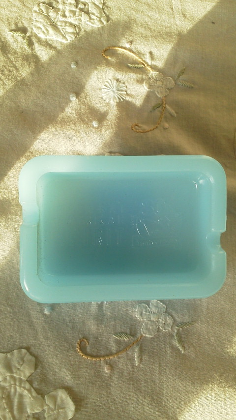【新品・非売品】 NATURAL AMERICAN SPIRIT オリジナル ミルクガラス灰皿_画像2