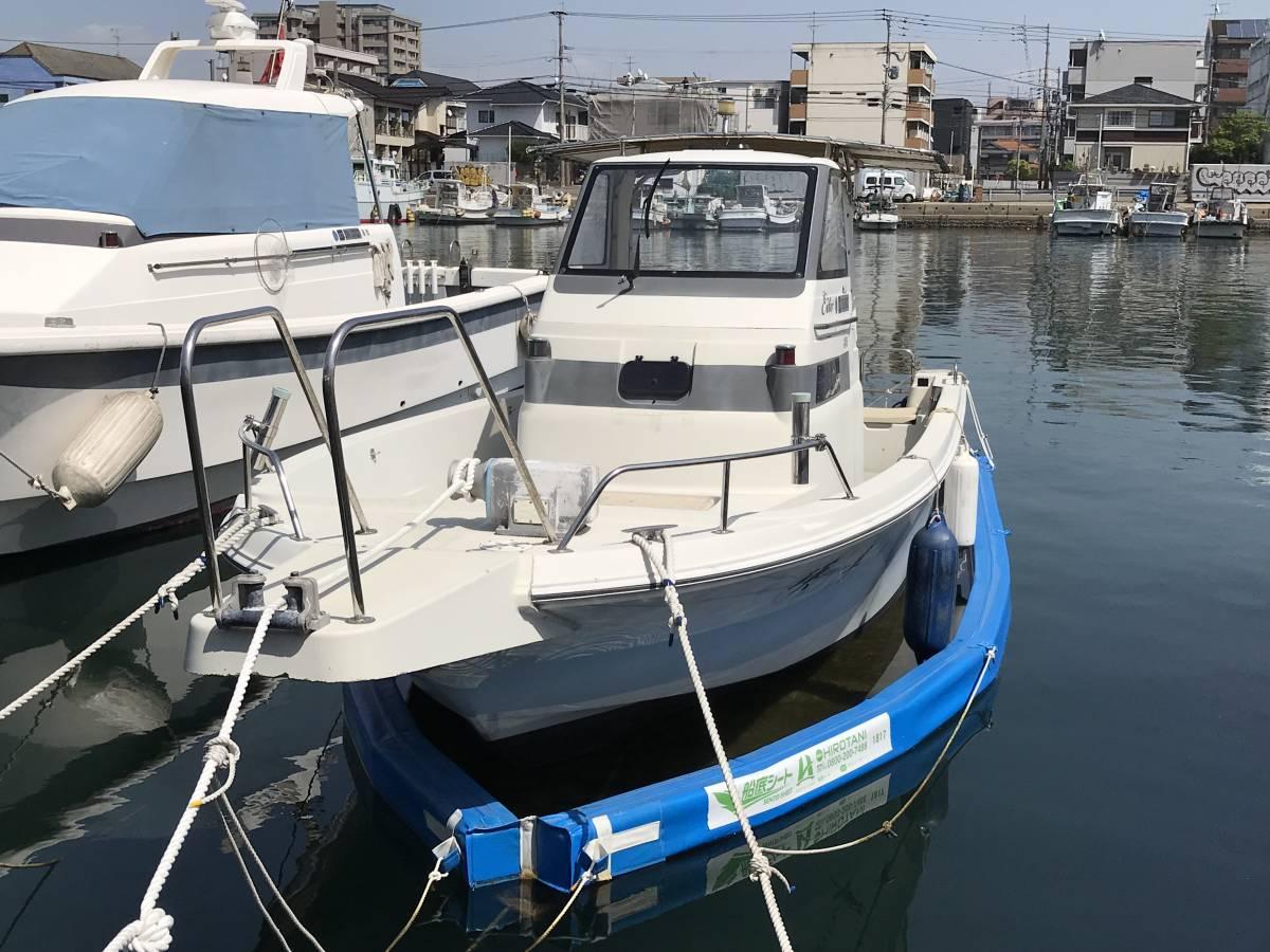 中古艇・ヤマハ UF23Ⅲ・エンジン新品・F130に2月に換装・油圧ステアリング・リモコンボックス・リモコンケーブル操舵装置を新品に交換。_画像1